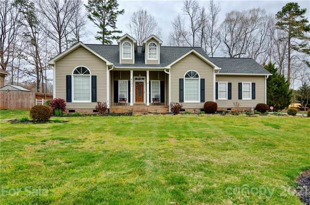 8131 Stevens Mill Road, Matthews, NC 28104 (#3718463) :: The Mitchell Team