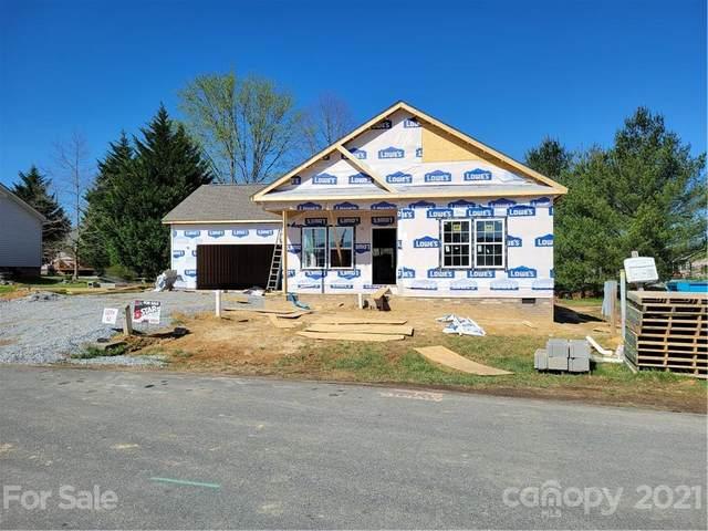 506 Riverwind Drive, Hendersonville, NC 28739 (#3718798) :: The Ordan Reider Group at Allen Tate