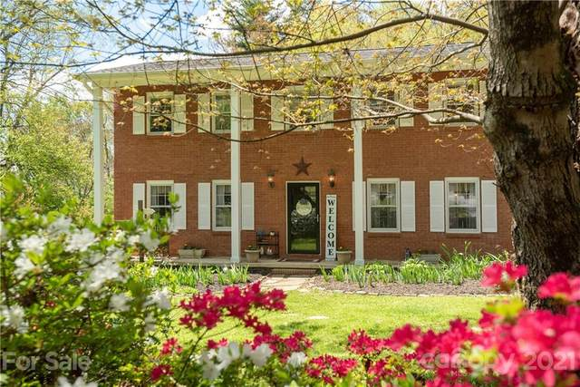 1103 N Rugby Road, Hendersonville, NC 28791 (#3728306) :: Home and Key Realty
