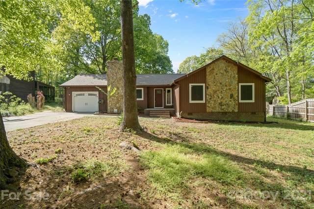 7506 Robin Crest Road, Charlotte, NC 28226 (#3729154) :: Scarlett Property Group