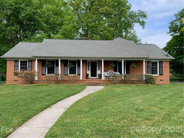 6500 Tensbury Court, Charlotte, NC 28210 (#3729884) :: The Allen Team