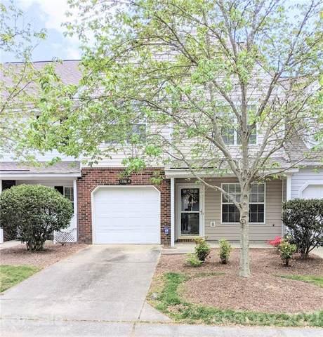 10614 Sleigh Bell Lane, Charlotte, NC 28216 (#3732956) :: DK Professionals
