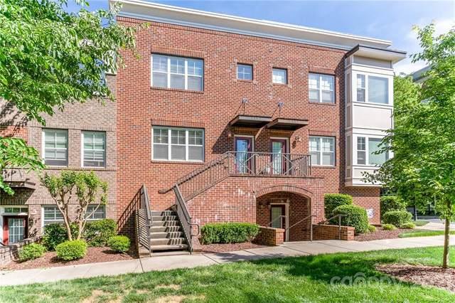 210 Harbour Place Drive, Davidson, NC 28036 (#3734243) :: Cloninger Properties