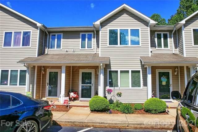 3239 White Oak Court, Claremont, NC 28610 (#3734354) :: High Performance Real Estate Advisors