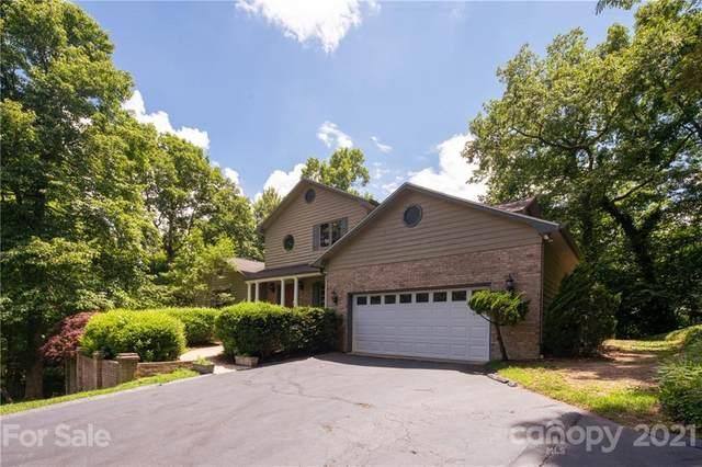 831 Sunlight Ridge Drive, Hendersonville, NC 28792 (#3734714) :: LePage Johnson Realty Group, LLC