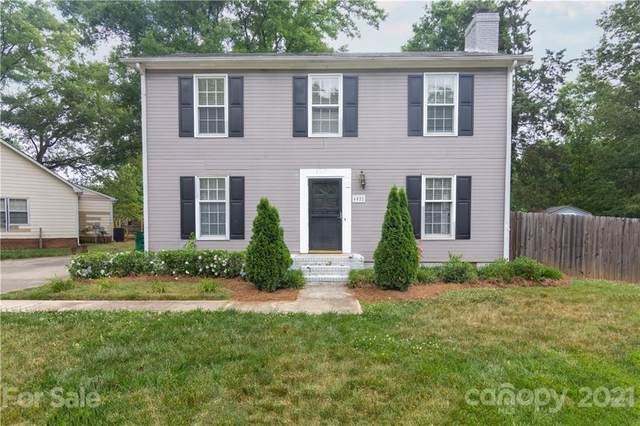6522 Lantern Court, Charlotte, NC 28227 (#3735458) :: Cloninger Properties