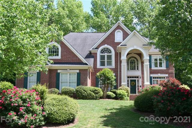 3034 Savannah Hills Drive, Matthews, NC 28105 (#3736098) :: Cloninger Properties