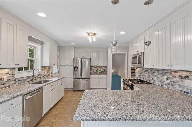 5301 Baker Drive, Charlotte, NC 28210 (#3736732) :: Besecker Homes Team