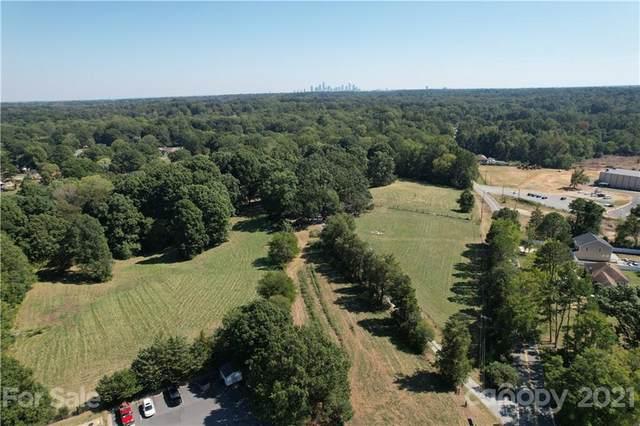 6400 Paw Creek Road, Charlotte, NC 28214 (#3741138) :: Carlyle Properties