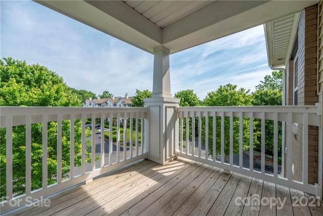 19880 Deer Valley Drive, Cornelius, NC 28031 (#3741224) :: Cloninger Properties