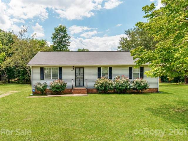 12207 New Bond Drive, Huntersville, NC 28078 (#3741604) :: Exit Realty Vistas