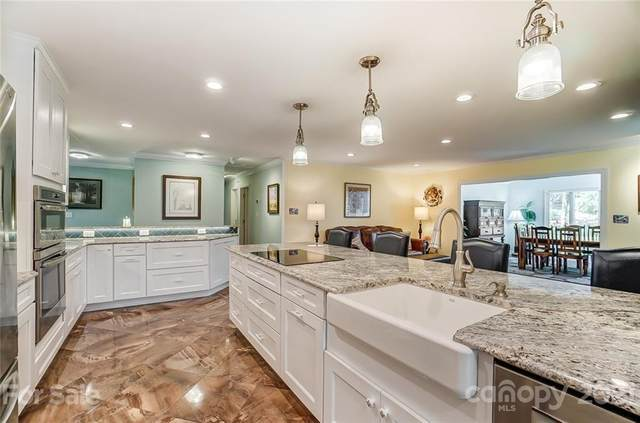 4001 Bridgewood Lane, Charlotte, NC 28226 (#3743668) :: Carolina Real Estate Experts