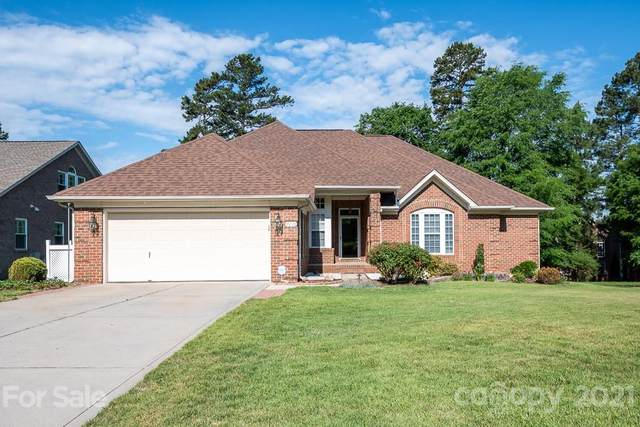 16019 Cleveleys Trail, Huntersville, NC 28078 (#3744475) :: Home and Key Realty