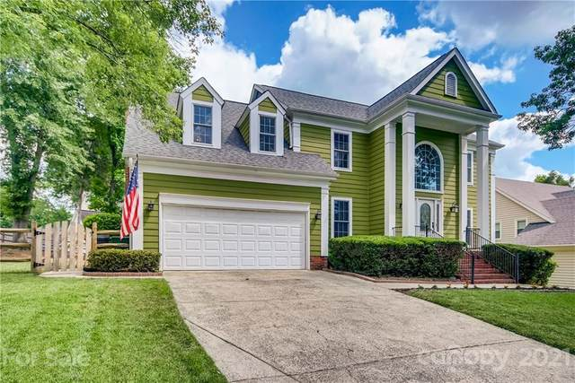 3128 Wild Lark Court, Charlotte, NC 28210 (#3745389) :: MartinGroup Properties