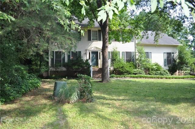 10024 Fireside Lane, Charlotte, NC 28215 (#3750798) :: Briggs American Homes