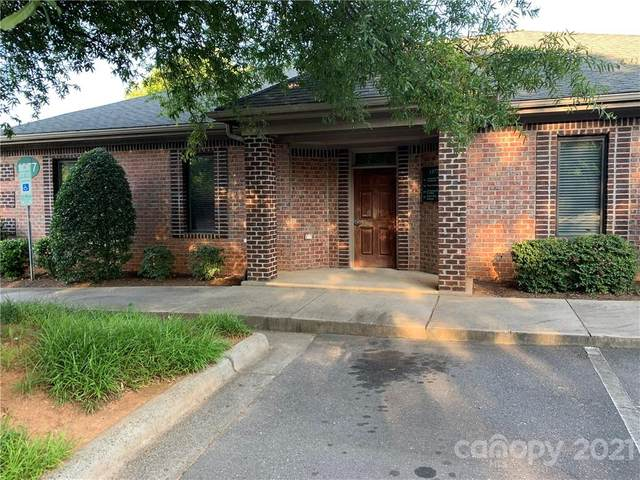 1977 J N Pease Place, Charlotte, NC 28262 (#3754733) :: BluAxis Realty