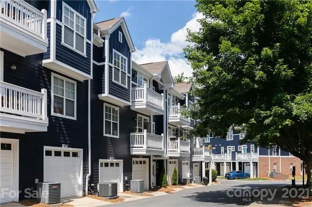 1564 Walnut View Drive, Charlotte, NC 28208 (#3755284) :: Willow Oak, REALTORS®