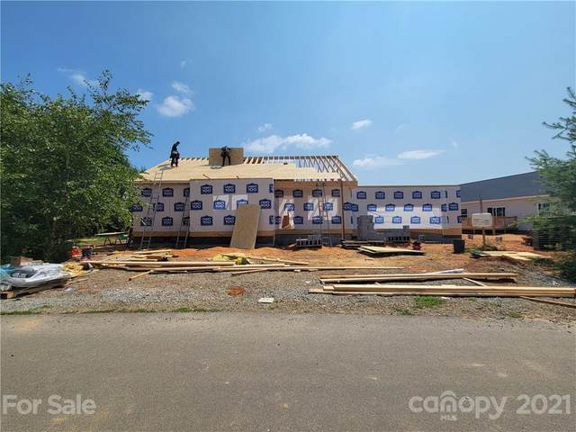 464 Riverwind Drive #102, Hendersonville, NC 28792 (#3761956) :: Besecker Homes Team