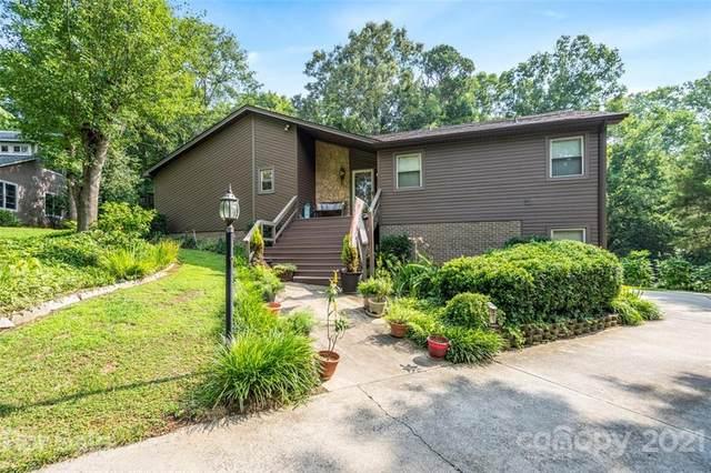 11400 Spreading Oak Lane, Charlotte, NC 28226 (#3764620) :: MartinGroup Properties