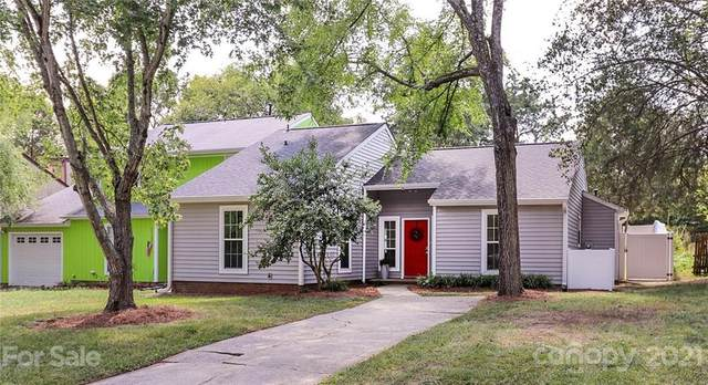 11342 Kingfisher Drive, Charlotte, NC 28226 (#3771359) :: Puma & Associates Realty Inc.