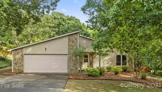 8621 Carmel Road, Charlotte, NC 28226 (#3775703) :: Puma & Associates Realty Inc.