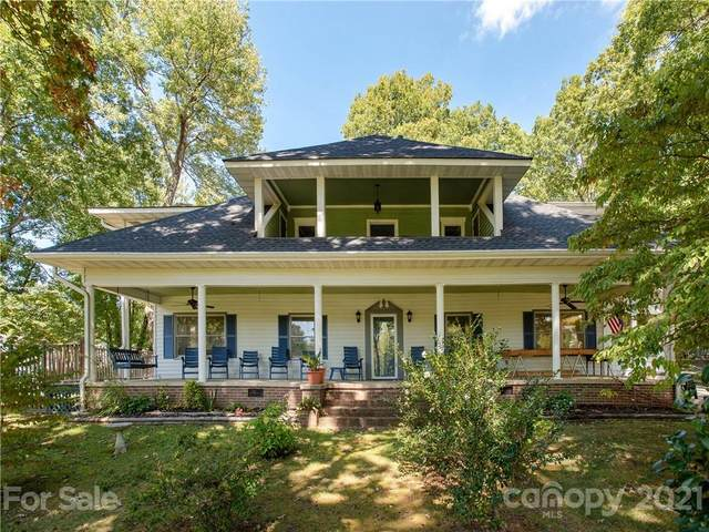 1740 Haywood Road, Hendersonville, NC 28791 (#3778180) :: Carver Pressley, REALTORS®