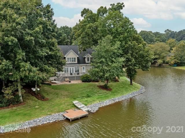 8126 Lake Providence Drive, Matthews, NC 28104 (#3782026) :: Cloninger Properties