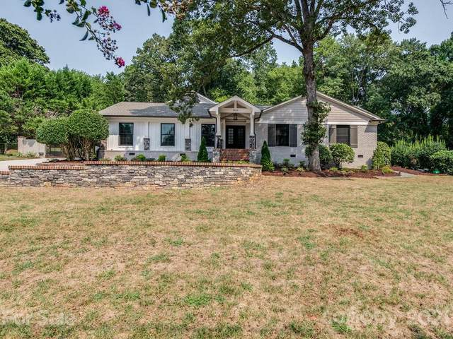 5923 Sharon View Road, Charlotte, NC 28226 (#3785986) :: Carlyle Properties