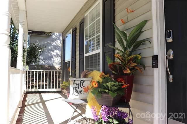 2000 Mallard Woods Place, Charlotte, NC 28262 (#3786414) :: Love Real Estate NC/SC