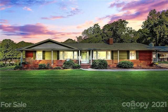 5423 Elizabeth Road, Charlotte, NC 28269 (#3786860) :: Carlyle Properties
