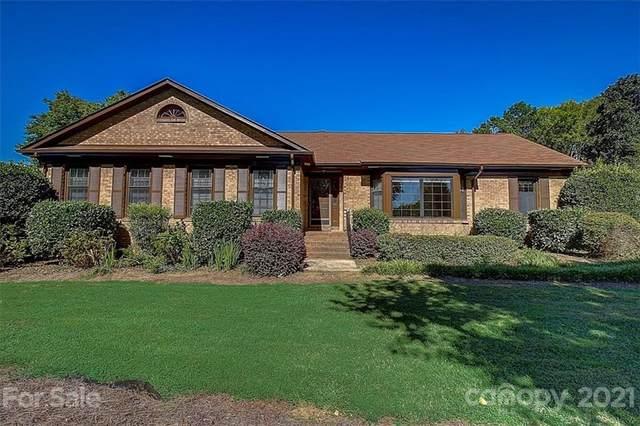 3100 Windrow Lane, Matthews, NC 28105 (#3789303) :: Love Real Estate NC/SC