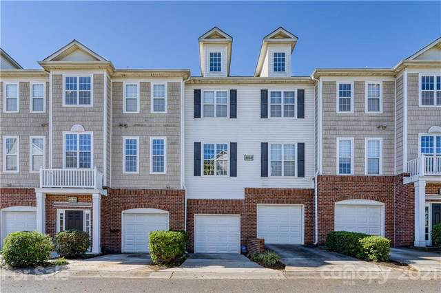 6824 Park Place Drive, Charlotte, NC 28262 (#3789414) :: The Premier Team at RE/MAX Executive Realty