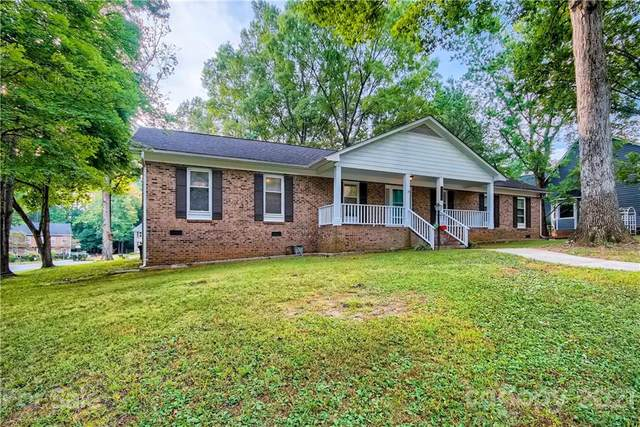 16434 Beech Hill Drive, Huntersville, NC 28078 (#3791000) :: LePage Johnson Realty Group, LLC
