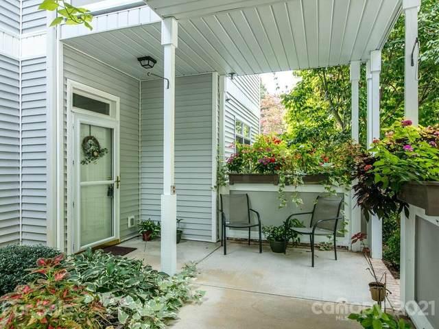 165 Ewbank Garden Drive B, Hendersonville, NC 28791 (#3791980) :: LePage Johnson Realty Group, LLC