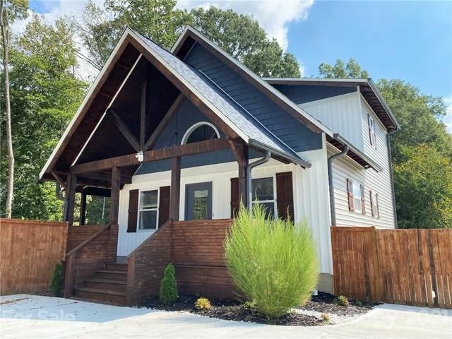 8135 Westbourne Drive, Charlotte, NC 28216 (#3792836) :: Homes Charlotte
