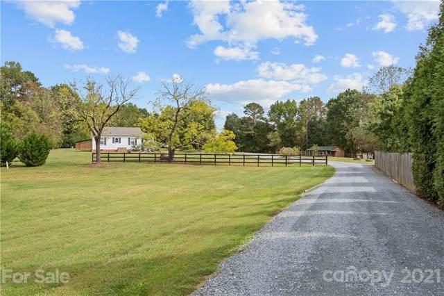 3024 Stevens Schultz Lane, Matthews, NC 28104 (#3794561) :: Mossy Oak Properties Land and Luxury