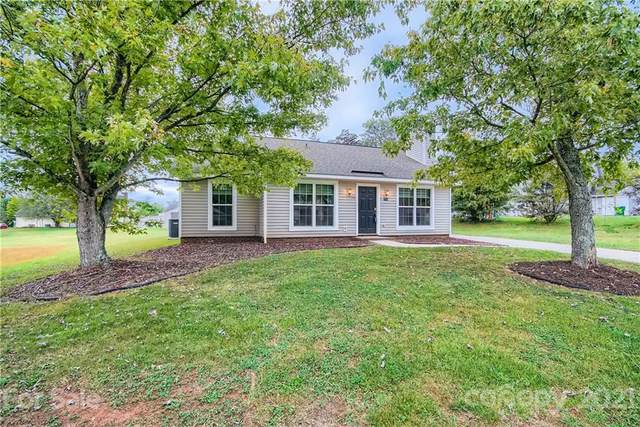 7119 Spring Creek Lane, Charlotte, NC 28273 (#3794842) :: Love Real Estate NC/SC