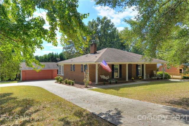 238 Sturbridge Drive, Charlotte, NC 28214 (#3795144) :: Homes Charlotte