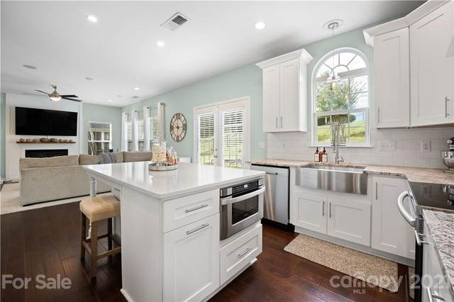 15925 Lavenham Road, Huntersville, NC 28078 (#3795819) :: Berkshire Hathaway HomeServices Carolinas Realty