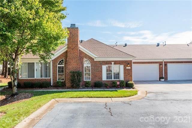 8208 Windsor Ridge Drive, Charlotte, NC 28277 (#3796208) :: BluAxis Realty