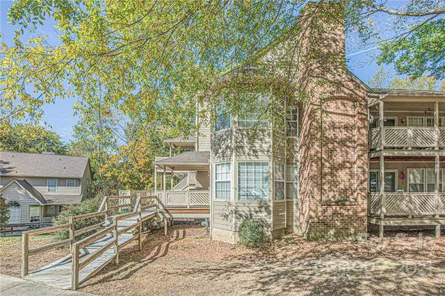 6020 Gray Gate Lane E, Charlotte, NC 28210 (#3799666) :: MartinGroup Properties