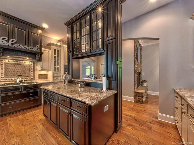 15710 Pine Street, Huntersville, NC 28078 (#3624207) :: IDEAL Realty