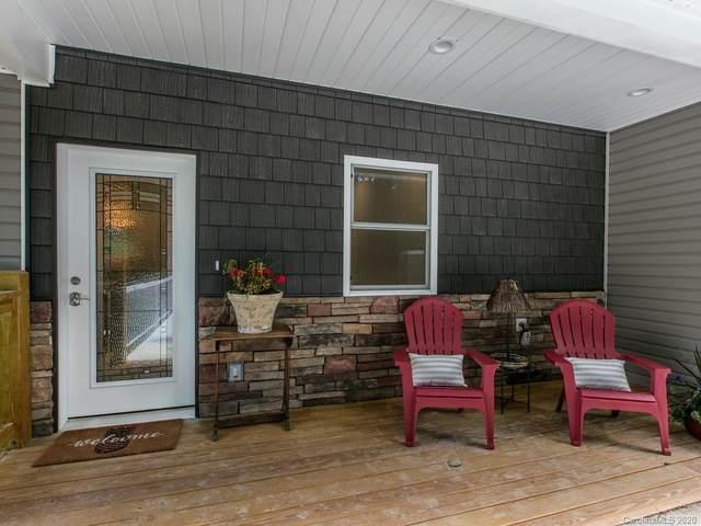 1896 Upper Ridgewood Boulevard A&B, Hendersonville, NC 28791 (#3632823) :: Homes Charlotte