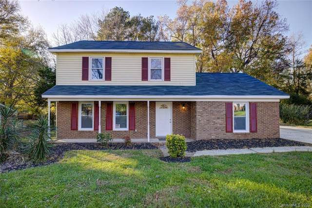 6815 Covecreek Drive, Charlotte, NC 28215 (#3652249) :: Ann Rudd Group
