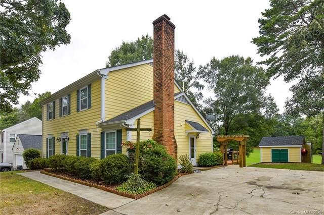 8401 Golf Ridge Drive, Charlotte, NC 28277 (#3662145) :: Rinehart Realty