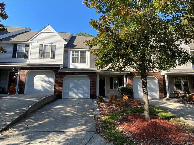 9915 Reindeer Way Lane, Charlotte, NC 28216 (#3667181) :: Carolina Real Estate Experts