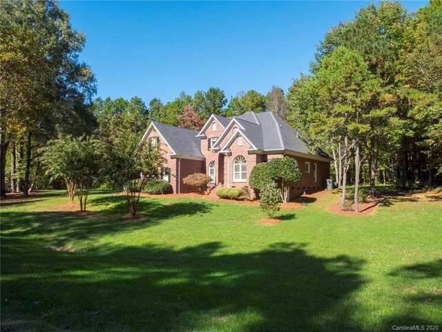 5024 Cambridge Oaks Drive, Matthews, NC 28104 (#3671589) :: Homes Charlotte