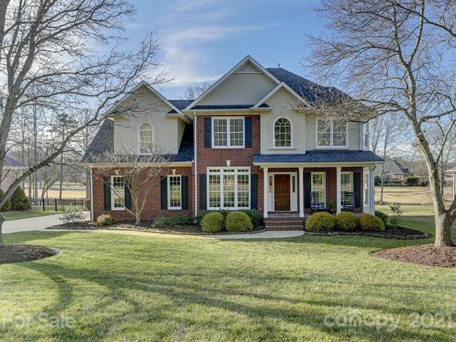 2006 Caernarfon Lane, Matthews, NC 28104 (#3702408) :: Bigach2Follow with Keller Williams Realty