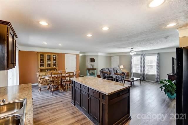 115 Crystal Bay Drive, Mooresville, NC 28115 (#3709858) :: LePage Johnson Realty Group, LLC