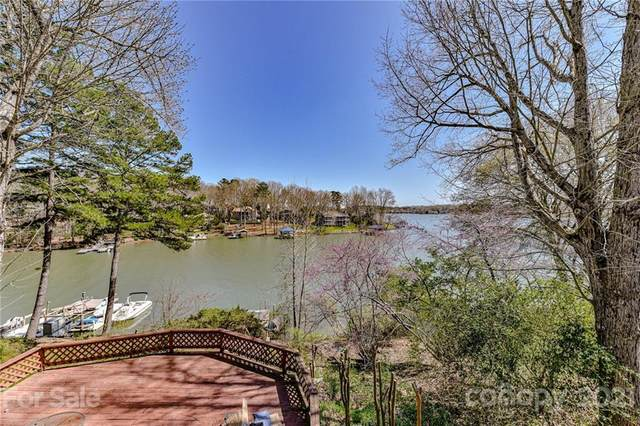 19009 Kailua Circle, Tega Cay, SC 29708 (#3720049) :: Lake Wylie Realty